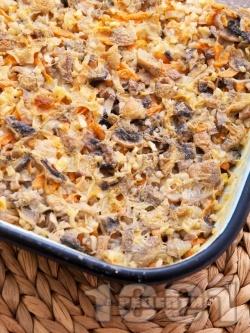 Печен ориз с маслини, гъби и праз лук на фурна - снимка на рецептата